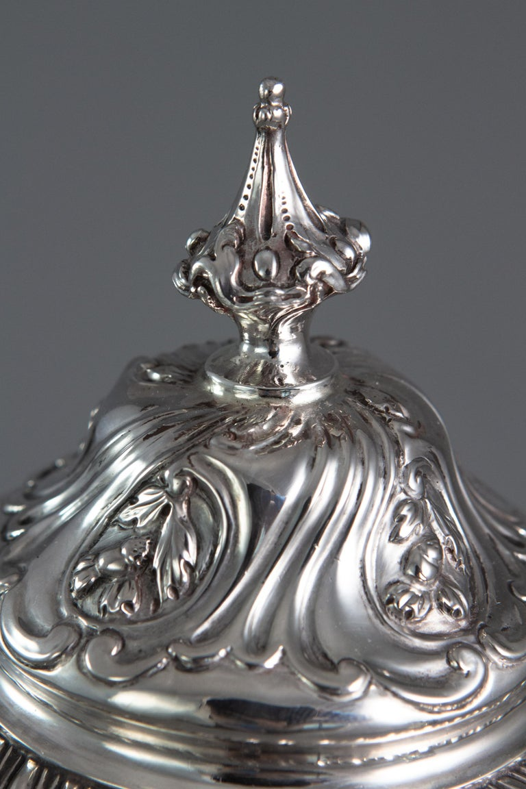George III Silver Coffee Pot, London 1769 by William Abdy For Sale 3