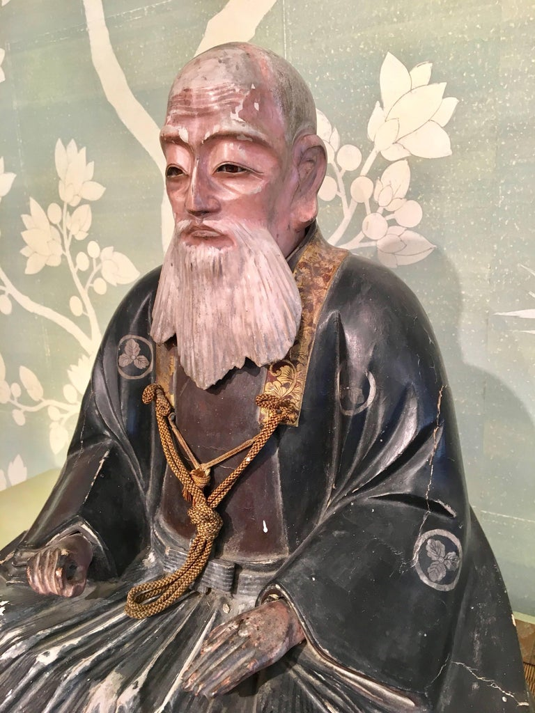 Giltwood Carved Noble Elder In Good Condition For Sale In New York, NY