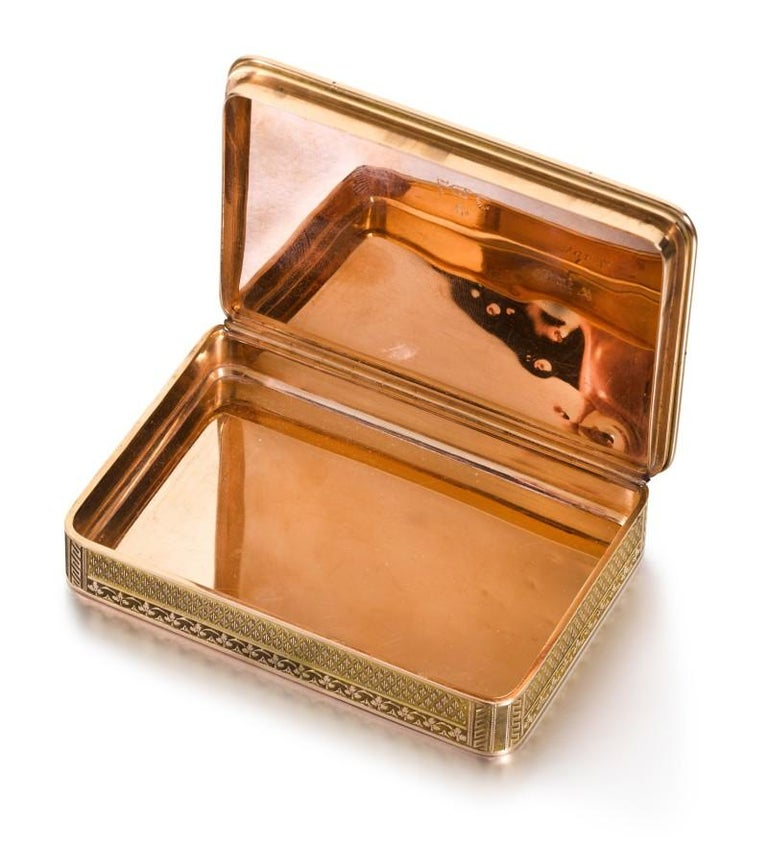 Gold and Enamel Snuff Box, Hanau, circa 1805 In Excellent Condition For Sale In New York, NY
