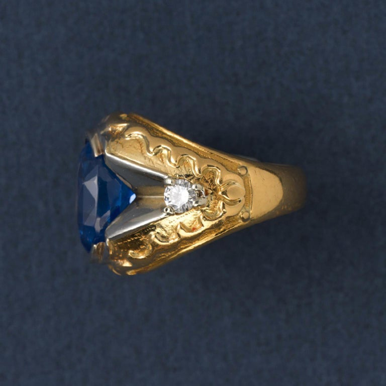 Gold and Sapphire Ring In Good Condition For Sale In Amsterdam, NL