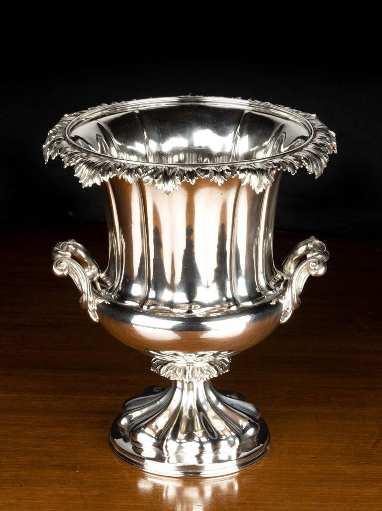 English Good Mid-19th Century Sheffield Plated Champagne Bucket For Sale