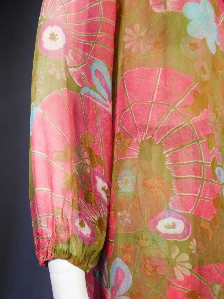 A Guy Laroche Set in Printed Silk Crepe Circa 1965 For Sale 8