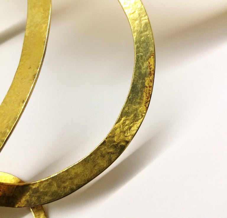 A hammered gold plated metal necklace, Herve Van Der Straeten, France , 1990s. For Sale 9