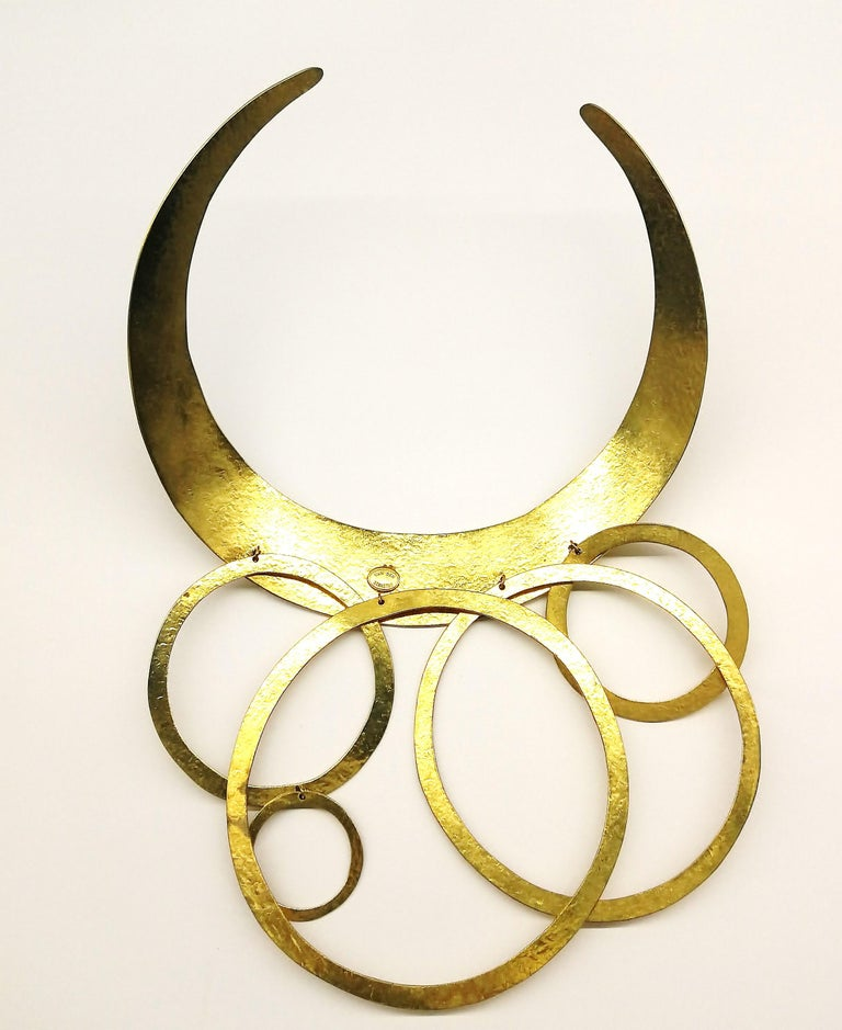 A hammered gold plated metal necklace, Herve Van Der Straeten, France , 1990s. For Sale 5