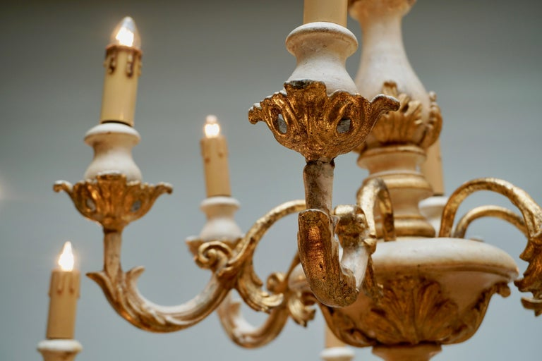 20th Century Highly Decorative and Elegant Gilded 24-Light Castle Chandelier For Sale