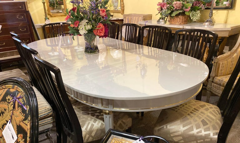 French Hollywood Regency Dining Table in Gray Lacquered Bronze Mounted Finish For Sale