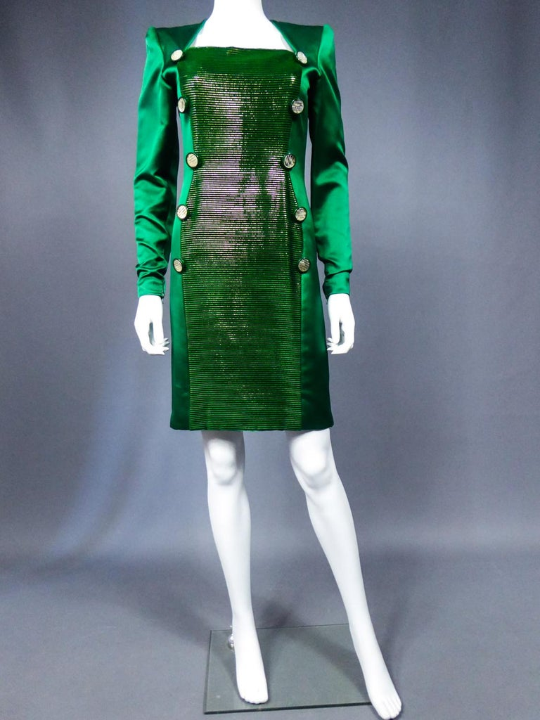 A Hubert de Givenchy Catwalk Dress in Satin and Lamé Velvet Circa 1985 In Excellent Condition For Sale In Toulon, FR