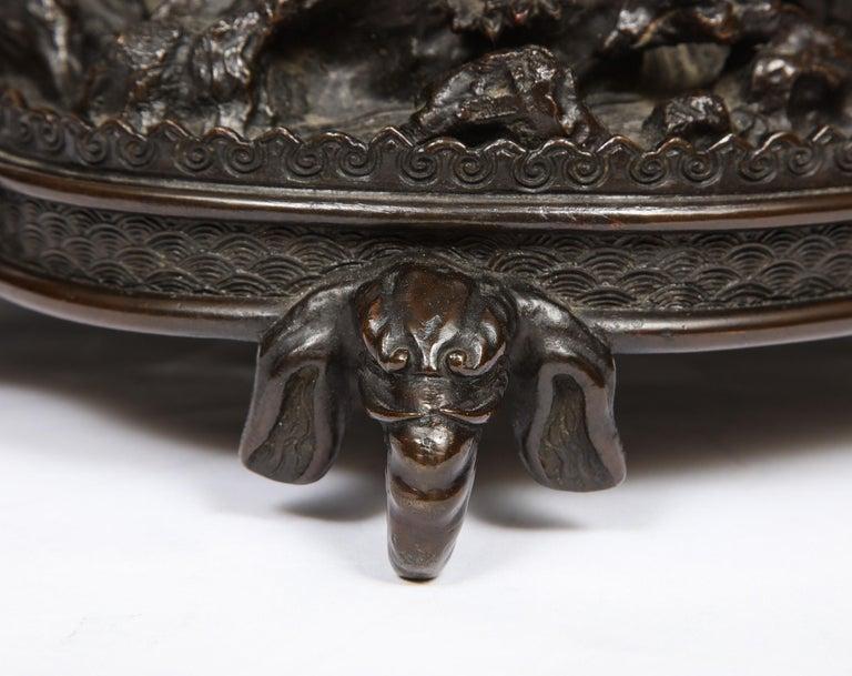 Japanese Patinated Bronze Figural Clock Vase, Meiji Period For Sale 1