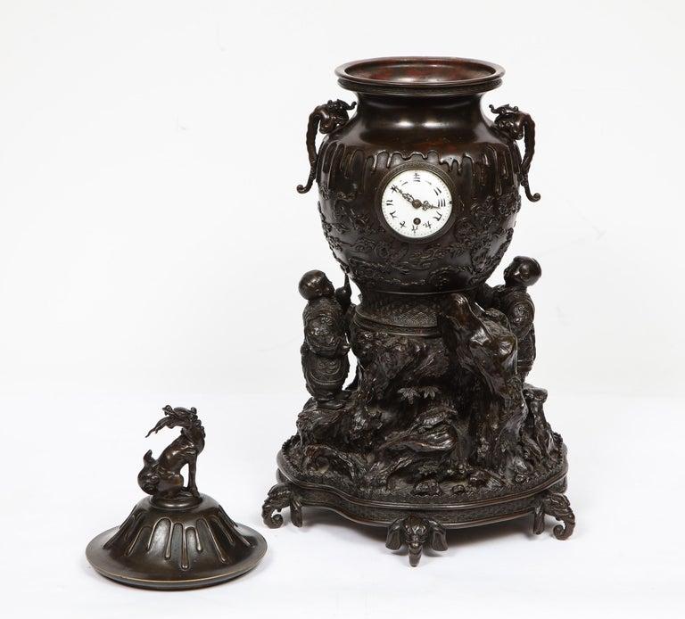 Japanese Patinated Bronze Figural Clock Vase, Meiji Period For Sale 3