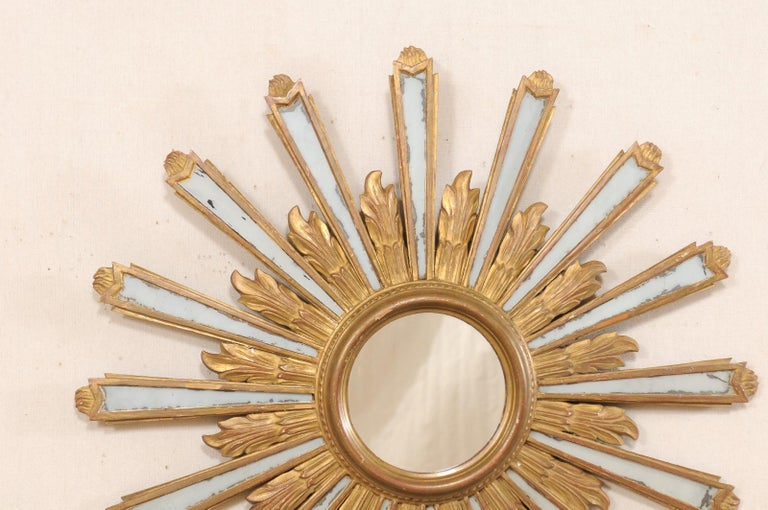 Joyous Early 20th Century Spanish Gilt Sunburst Ray Mirror In Good Condition In Atlanta, GA
