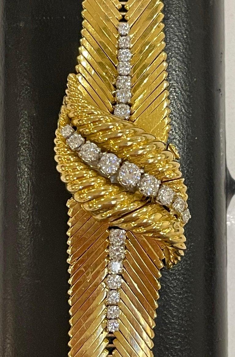 Women's Kutchinsky 18kt Yellow Gold and Diamond Ladies Wristwatch, in Original Box For Sale