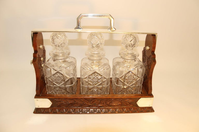 Large 19th Century English 3 Decanter Silver Plated and Oak Tantalus, Betjemann For Sale 1