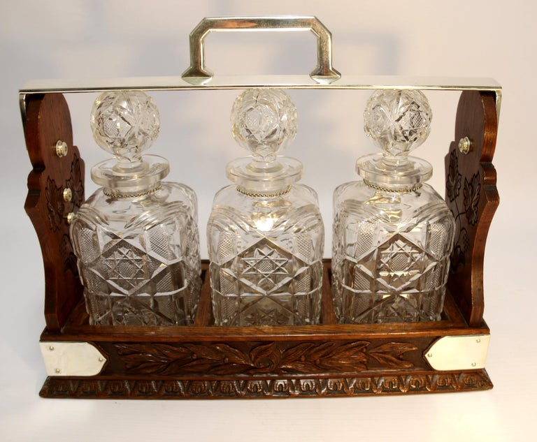 Large 19th Century English 3 Decanter Silver Plated and Oak Tantalus, Betjemann For Sale 2