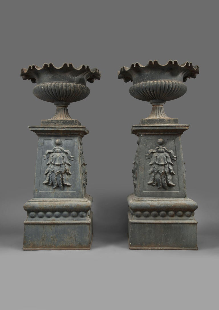 French Large and Impressive Pair of Cast Iron Urns, circa 1860 For Sale