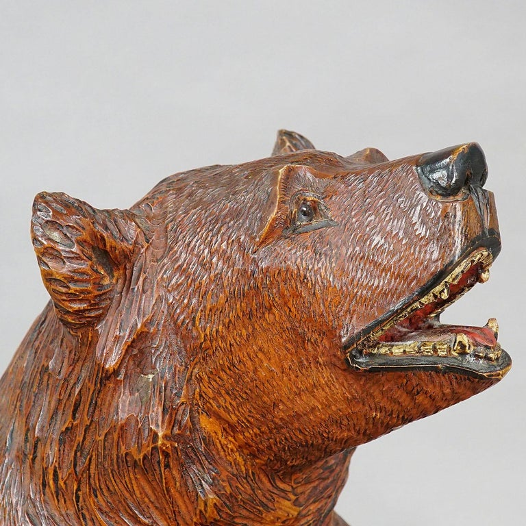 Large Carved Standing Black Forest Bear, Brienz, circa 1930 In Good Condition For Sale In Berghuelen, DE