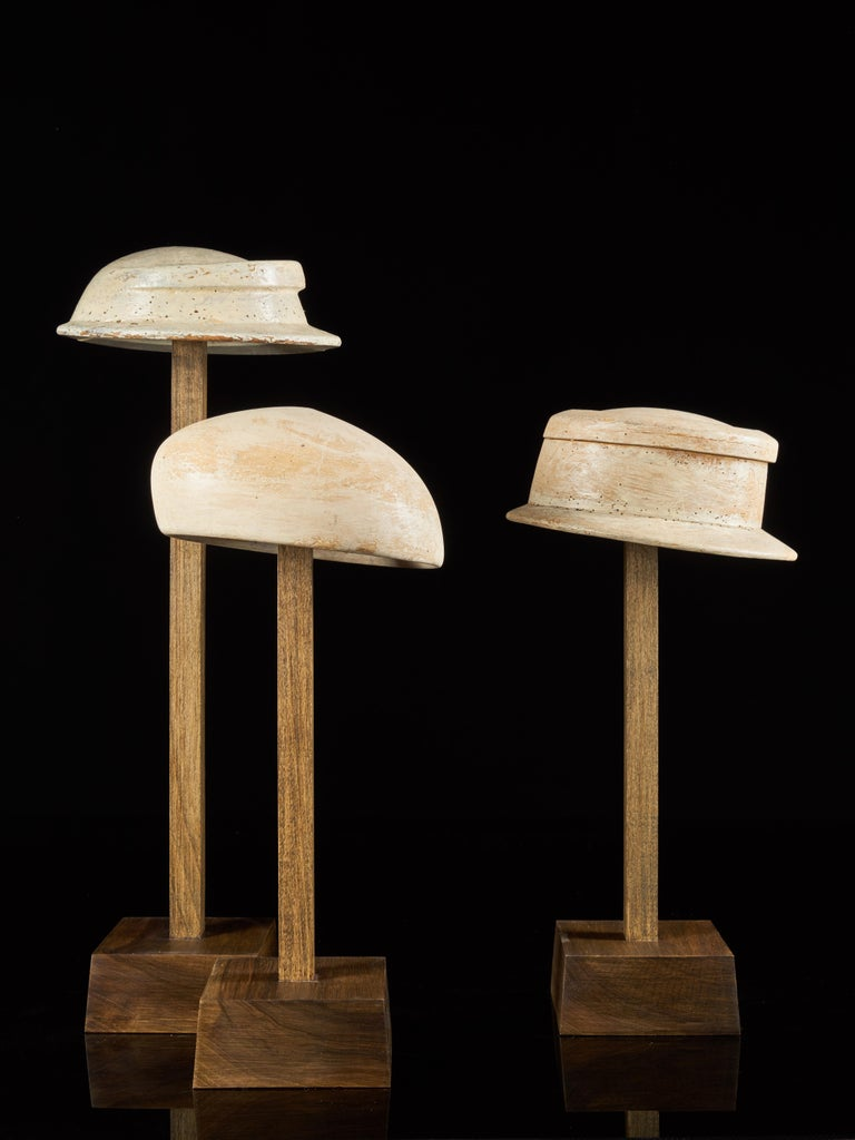 Large Collection of 25 Wooden Hat Forming Shape Models on Custom Made Stands In Fair Condition For Sale In Leuven , BE
