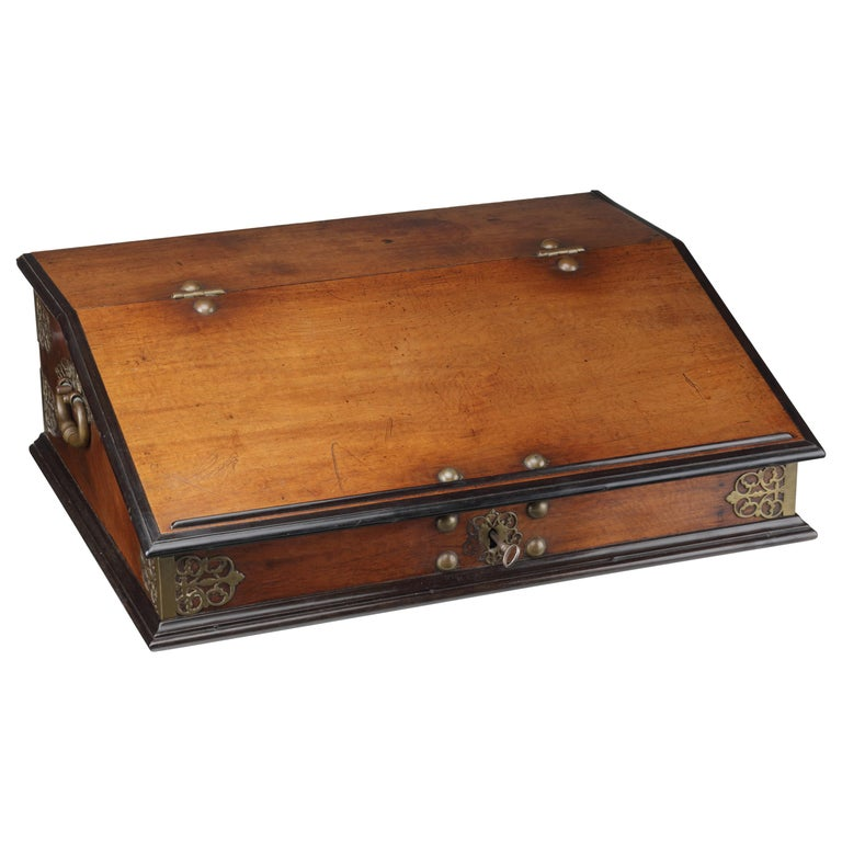 Large Dutch Colonial Amboyna and Ebony Indonesian Writing Desk, 18th Century For Sale