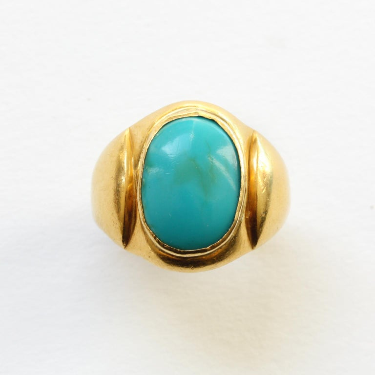 Large Gold and Cabochon Turquoise Ring In Good Condition For Sale In Amsterdam, NL