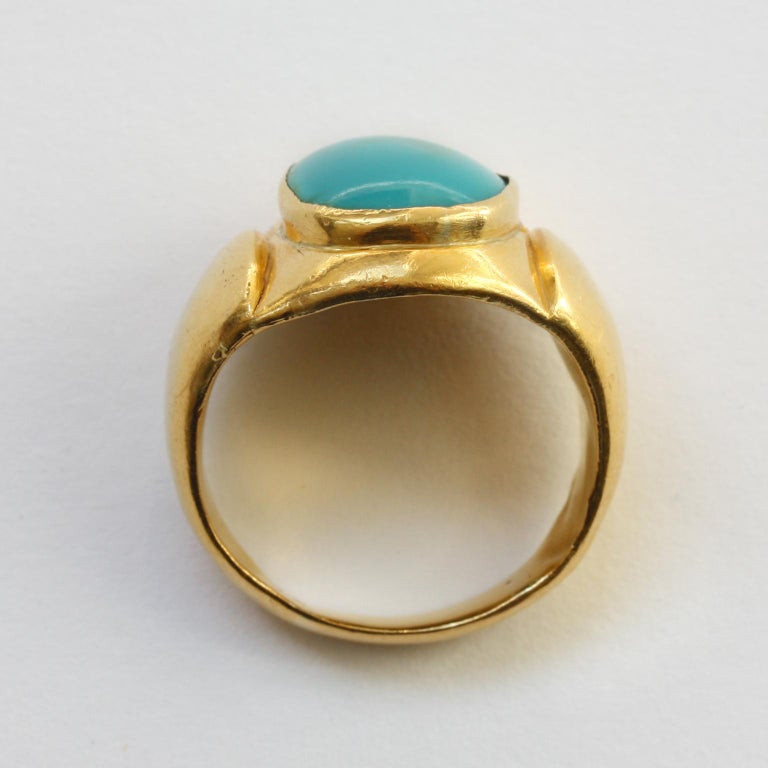 Women's or Men's Large Gold and Cabochon Turquoise Ring For Sale