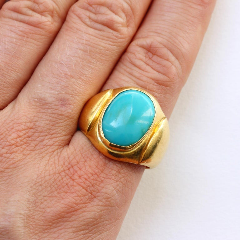 Large Gold and Cabochon Turquoise Ring For Sale 3