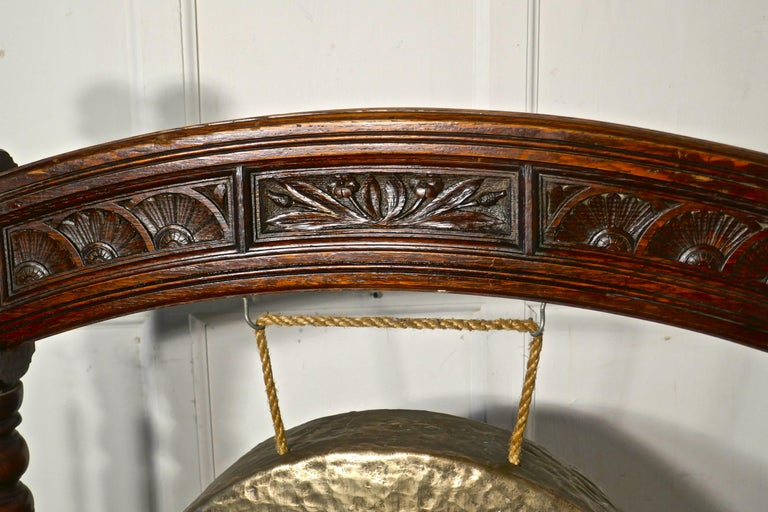 Large Gothic Carved Oak and Brass Dinner Gong In Good Condition For Sale In Chillerton, Isle of Wight