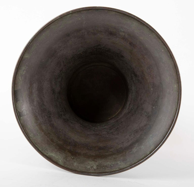 Large Meiji Period Patinated Japanese Bronze Vase For Sale 3