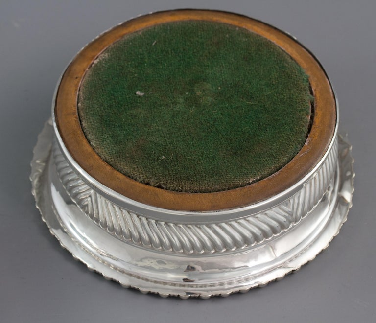 Large Pair of George III Silver Wine Coasters, Sheffield, 1819 For Sale 8