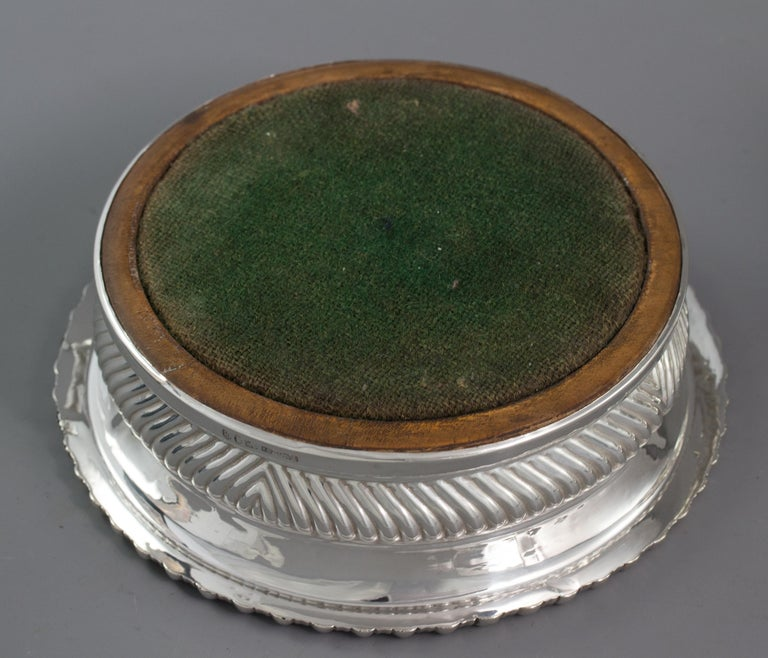 Large Pair of George III Silver Wine Coasters, Sheffield, 1819 For Sale 9