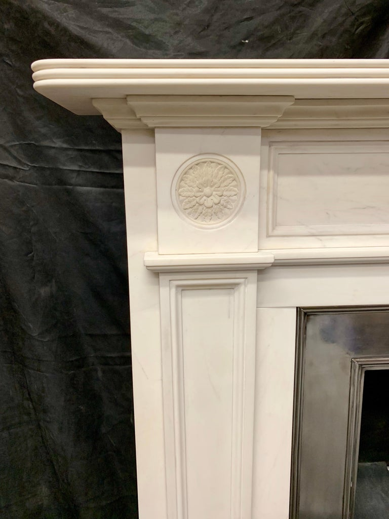 Large Regency Style Carved Statuary Marble Fireplace Surround In Good Condition For Sale In Edinburgh, GB
