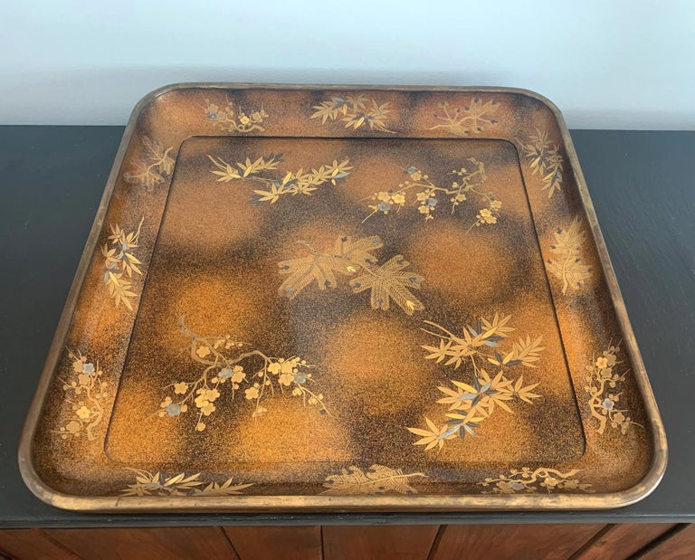 Large Vintage Japanese Maki-e Lacquer Kimono Tray In Good Condition For Sale In Atlanta, GA