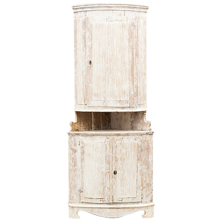 Late Gustavian Corner Cabinet 19th Century, circa 1800 For Sale