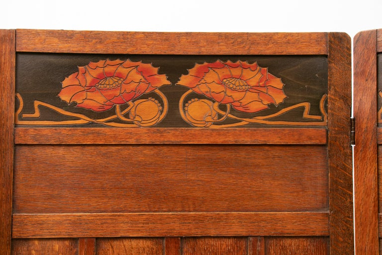 Early 20th Century Art Nouveau Liberty & Co. Oak Arts & Crafts Three Fold Screen In Good Condition In Surbiton, GB
