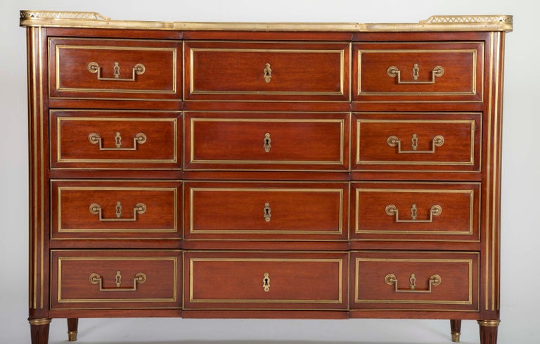 Louis XVI Style Mahogany Chest of Drawers In Good Condition For Sale In Stamford, CT