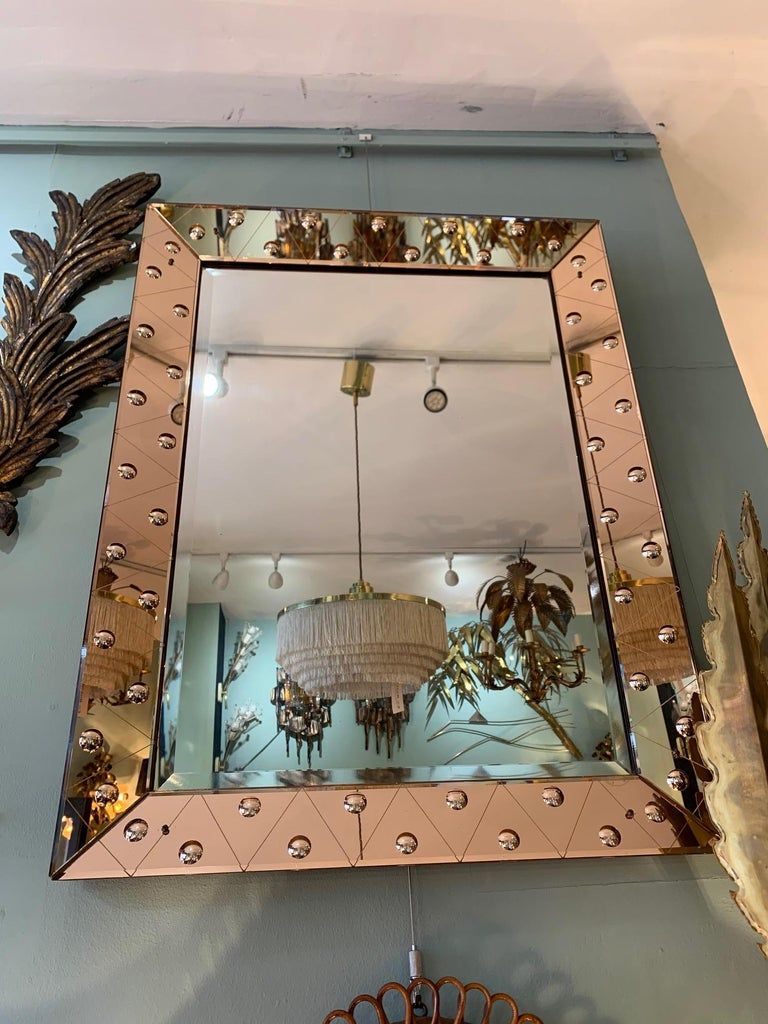 Lovely Art Deco Mirror with Rose Mirrored Frame with Convex Circular Detail In Good Condition In London, GB