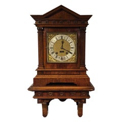 Lovely Walnut Late Victorian Period Antique Bracket Clock