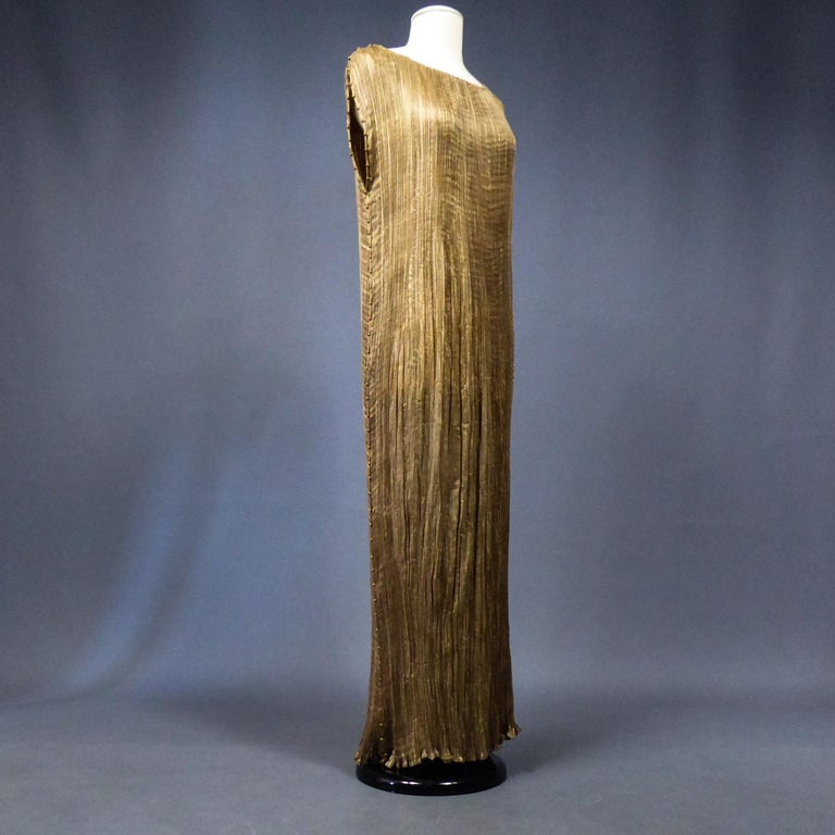 Circa 1915/1925 Italy / France  Sleeveless dress in milky coffee silk pongee, finely pleated model