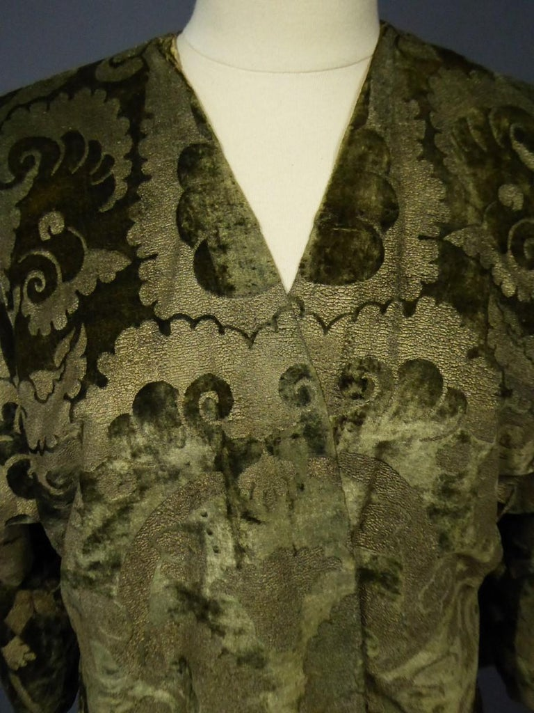 A Mariano Fortuny Gold Printed Velvet Evening Coat Italy Circa 1915/1925 For Sale 6