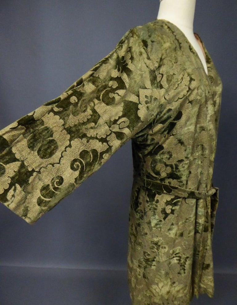 A Mariano Fortuny Gold Printed Velvet Evening Coat Italy Circa 1915/1925 For Sale 7