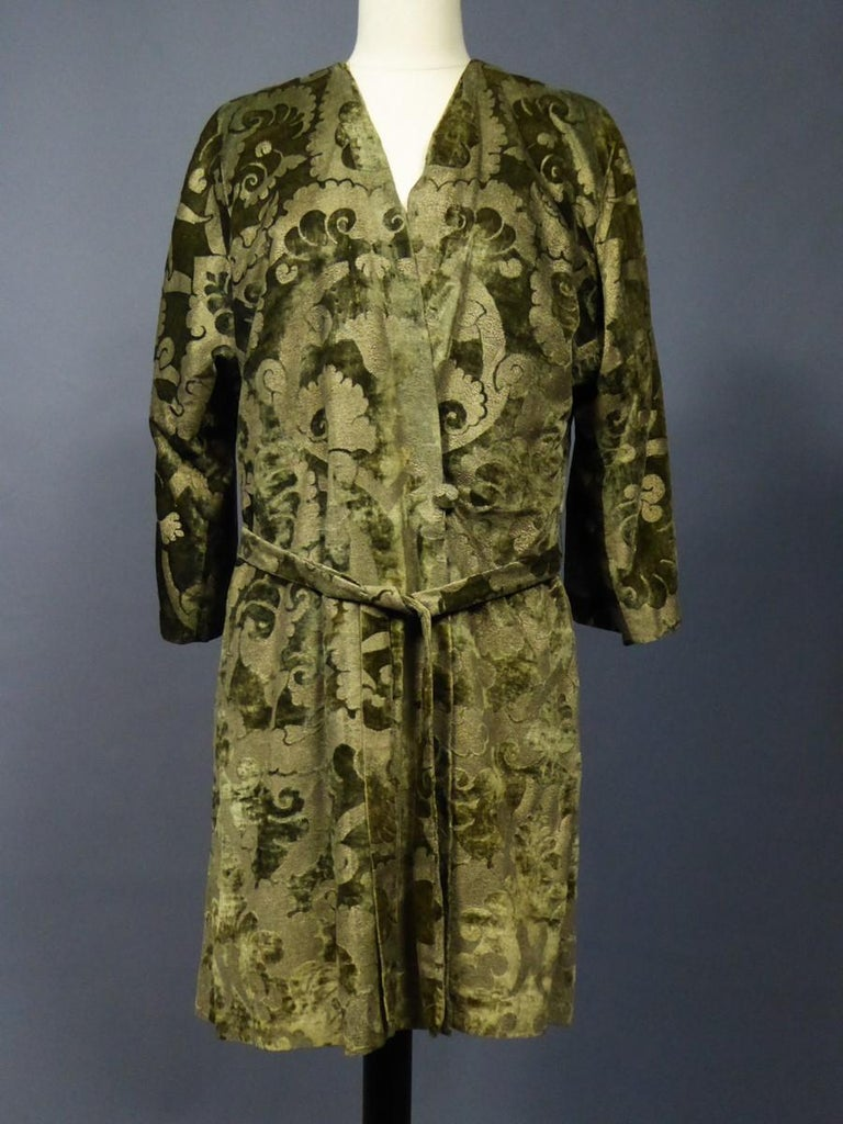 A Mariano Fortuny Gold Printed Velvet Evening Coat Italy Circa 1915/1925 For Sale 9