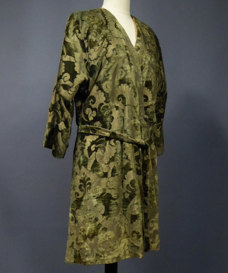 A Mariano Fortuny Gold Printed Velvet Evening Coat Italy Circa 1915/1925 For Sale 10