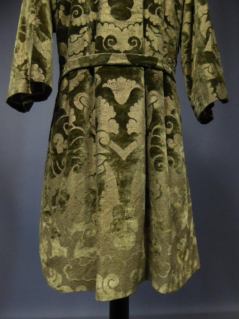 A Mariano Fortuny Gold Printed Velvet Evening Coat Italy Circa 1915/1925 For Sale 3