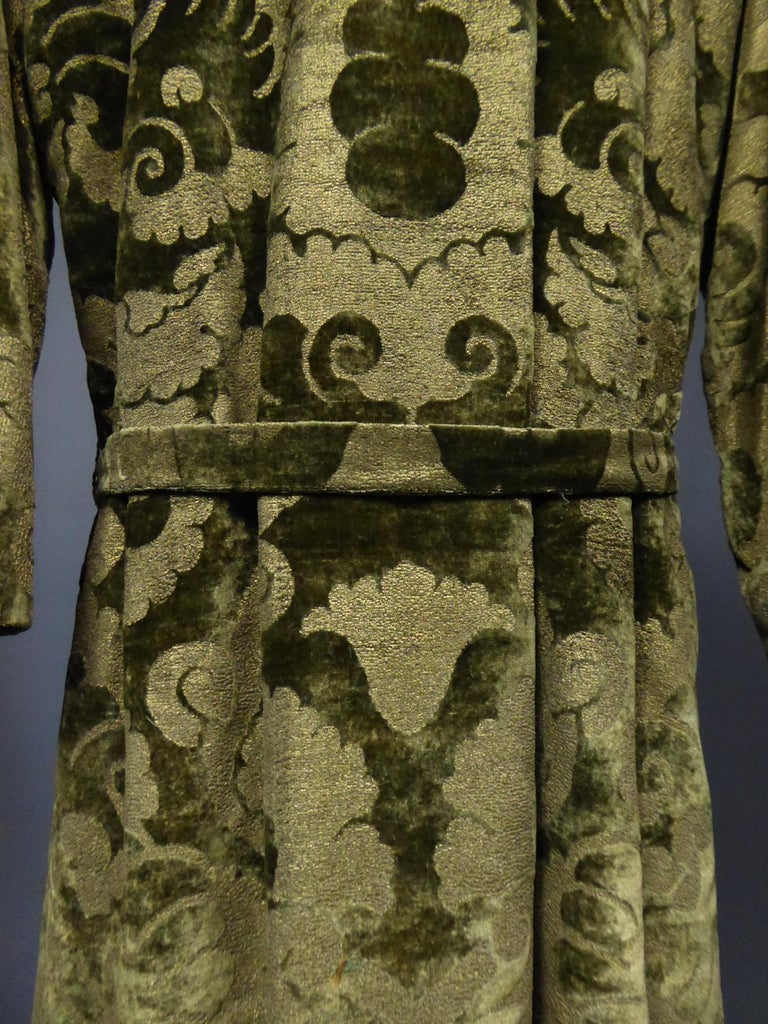 A Mariano Fortuny Gold Printed Velvet Evening Coat Italy Circa 1915/1925 For Sale 4