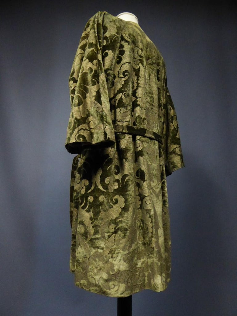 A Mariano Fortuny Gold Printed Velvet Evening Coat Italy Circa 1915/1925 For Sale 5