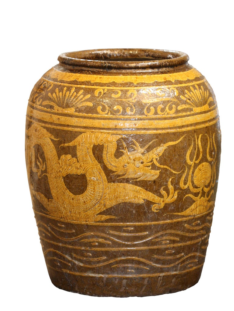 Massive Antique Chinese Earthenware Martaban Dragon Jar In Good Condition For Sale In Palm Beach, FL