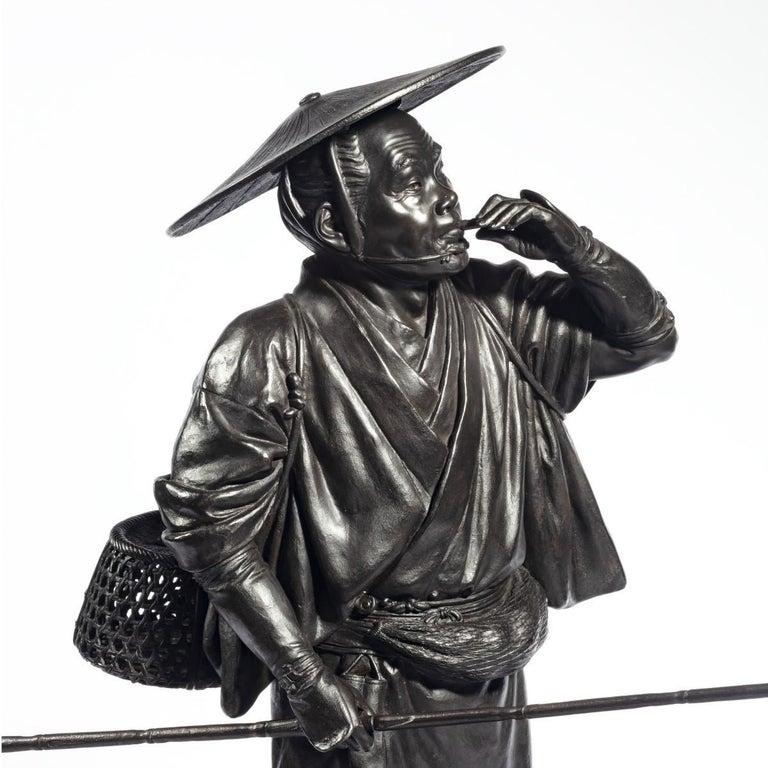 Meiji Period Bronze of a Cricket Catcher For Sale 2