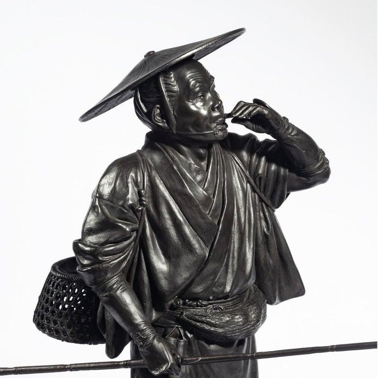 Meiji Period Bronze of a Cricket Catcher For Sale 3