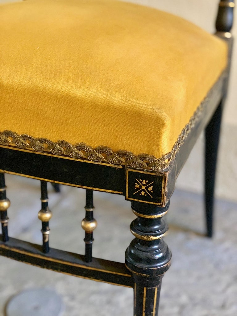 Early 20th Century French Chair with Gilt Detailing In Good Condition In New Orleans, LA