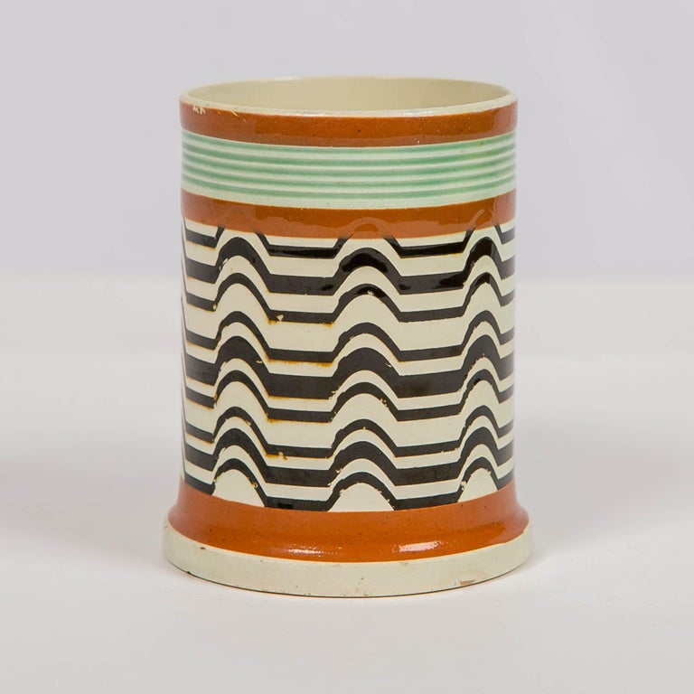 Mochaware Mug Made by J.& R Clews at the Cobridge Factory, England, circa 1820 In Good Condition For Sale In New York, NY
