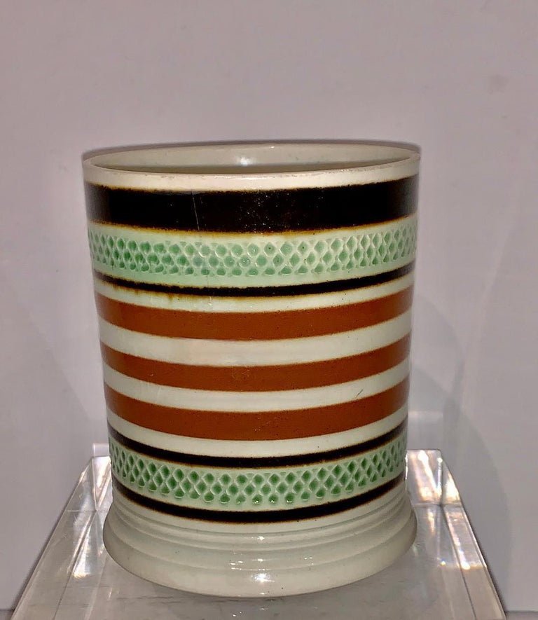 Mochaware Mug Slip Banded and Rouletted, England, circa 1810 In Excellent Condition For Sale In Katonah, NY