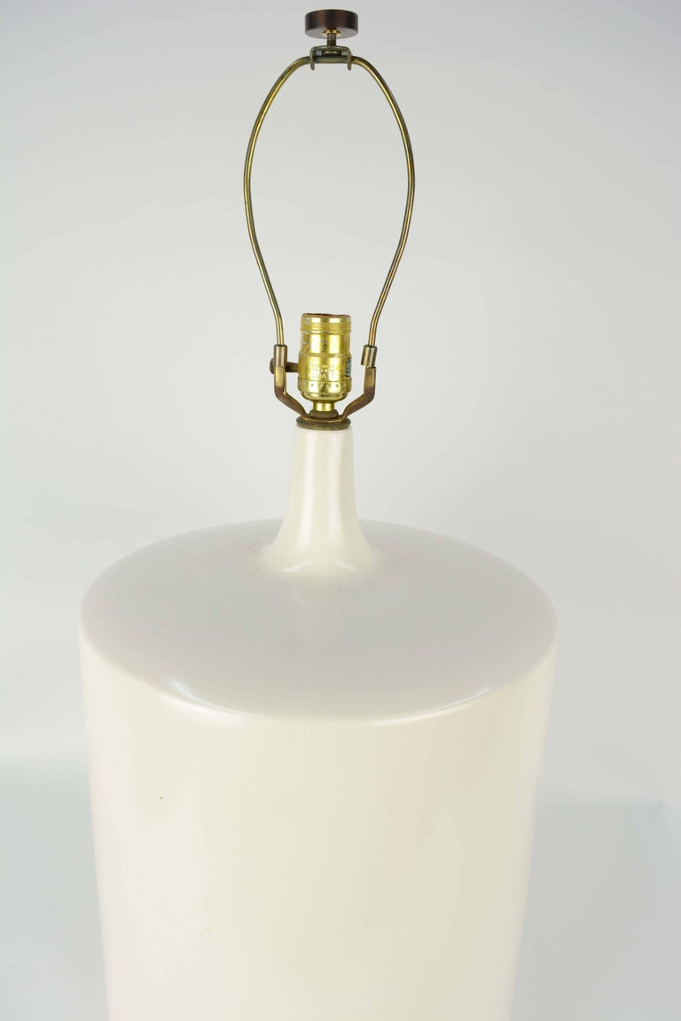 Mid-Century Modern Modern Minimalist Monumental White California Ceramic Lamp For Sale